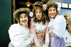 From right, David Williams, Robbie Williams, Matt Lucas. I really would like to see Little Britain LIVE