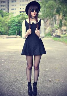 Grunge Fashion or as I call it Hipster Wednesday Addams Grunge Outfits, Grunge Fashion, Gothic Fashion, Look Fashion, Grunge Dress, Hipster Girl Outfits, Witch Fashion, Fashion Fashion, Trendy Fashion