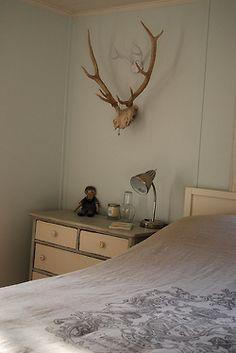 valscrapbook:    beach cottage bedroom by Defteling Design/alexwijnen on Flickr.