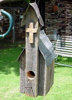 rustic bird houses and feeders | Rustic birdhouse