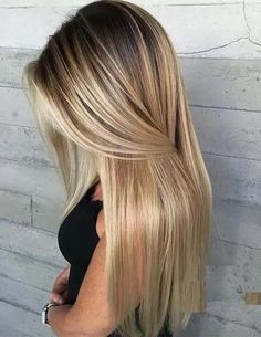 20 Beautiful Blonde Hair Color Trends with Dark Roots in Explore here the . - 20 Beautiful Blonde Hair Color Trends with Dark Roots in Explore here the most stunning ideas - Blonde Hair With Roots, Honey Blonde Hair, Blonde Hair With Highlights, Golden Blonde, Blonde Hair Colour Shades, Ombre Hair Color, Hair Colors, Different Shades Of Blonde, Balayage Color