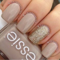 My super quick and simple essie sand tropez with china glaze I'm not lion accent nail polish ideas Ongles Beiges, Diy Ongles, Hair And Nails, My Nails, Uñas Fashion, Workwear Fashion, Fashion Blogs, Fashion Design, Fashion Trends