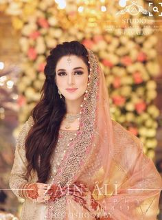 You are in the right place about Bridal Outfit Here we offer you the most beautiful pictures about the Bridal Outfit for guest you are looking for. When you examine the part of the picture you can get Pakistani Bridal Makeup, Pakistani Wedding Dresses, Pakistani Wedding Photography, Bridal Dupatta, Bridal Dress Design, Bridal Style, Pakistan Bridal, Bridal Makeover, Muslim Brides