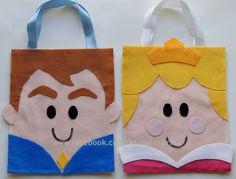 Sacolinhas surpresa da Bela Adormecida e do Príncipe. Confeccionadas em feltro. www.facebook.com/kfofodasartes
