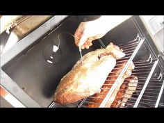 First Time Smoking Meat Smoking Meat Times, Ways To Stop Smoking, Quit Smoking Tips, Smoking Food, Smoked Meat Recipes, Smoker Cooking, Smoking Recipes, Summer Barbecue, Grilled Meat