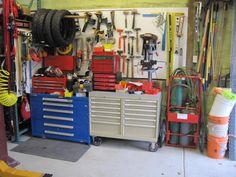 Lista mobile cabinet in a garage