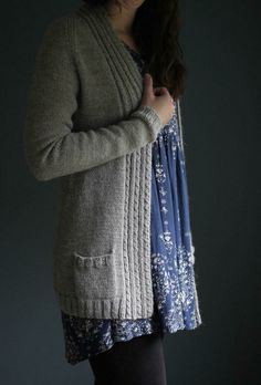 Mazzy is a perfect layering cardigan, with a longer length, pockets, and around-the-neck front band panels that ensure it lies comfortably on your shoulders without falling off. Knit in one-piece f… Ladies Cardigan Knitting Patterns, Beginner Knitting Patterns, Knit Cardigan Pattern, Sweater Knitting Patterns, Knitting Ideas, Simple Knitting, Knit Sweaters, Knitting Projects, Elizabeth Smith