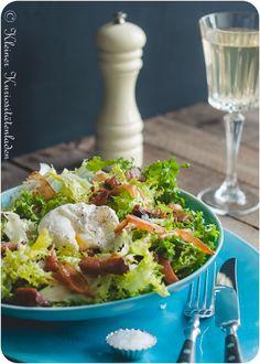 Friséesalat mit Speckdressing und pochiertem Ei Alkaline Diet, What To Cook, Avocado Toast, Yummy Food, Yummy Recipes, Salad Recipes, Nom Nom, Salads, Low Carb