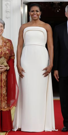 Look of the Day - Michelle Obama  in Brandon Maxwell at a State Dinner in honour of the President of Singapore