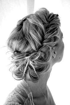 Beautiful Loose Bohemian Braid.Would look good with a long veil