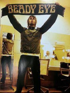 Always love Liam Gallagher hahaa ; Oasis Music, Definitely Maybe, Liam Gallagher Oasis, Beady Eye, Britpop, British Invasion, Best Rock, Rock Bands, Musica