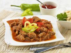 Borjúpörkölt – paprikás recept Beef, Food, Red Peppers, Meals, Yemek, Steak, Eten