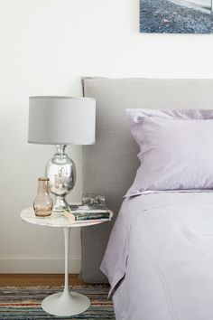 Amongst a variety of styles of bedroom decoration, modern styles have drawn massive attention. They commonly come with sleek, simple, yet clean impression. Serene Bedroom, Cozy Bedroom, Diy Bedroom Decor, Master Bedroom, Home Decor, Bedroom Ideas, Budget Bedroom, Pillow Headboard, Grey Headboard