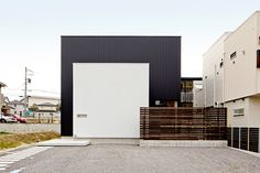 土間のある黒と白を基調とした家・間取り(愛知県知多市) |ローコスト・低価格住宅|狭小住宅・コンパクトハウス | 注文住宅なら建築設計事務所 フリーダムアーキテクツデザイン