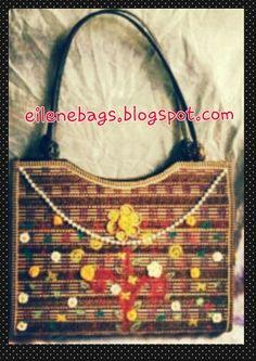 flower and beads natural fibers bag. desig  by eilene crAft. for detail please visit eilenebags.blogspot.com