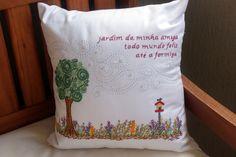 Almofada jardim bordado livre