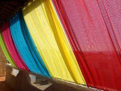 Πως να φτιάξετε ένα πολύχρωμο σκίαστρο για το μπαλκόνι σας!