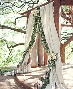 This garland curtain is gorgeous.