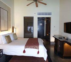 Moderne Zimmer im Raviz Resort Kovalam #taipantouristik #indien #kovalam #kerala #hotel #reiseblogger #luxus #wanderlust #rundreise #immereinereisewert #raviz Kovalam, Wanderlust, Bed, Furniture, Home Decor, Indian, Round Trip, Luxury, Decoration Home