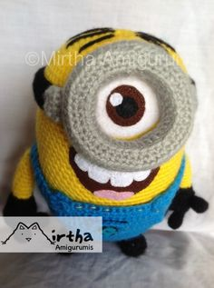 Amigurumi Minion by Mirtha Amigurumi.  Dang this is not a pattern but I think I could figure it out!