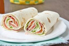 Ham wraps - recipe- Schinken Wraps – Rezept These ham wraps are a quick and light snack. A recipe for school or work. Easy Snacks, Healthy Snacks, Easy Meals, Healthy Recipes, Easy Recipes, Quinoa Soufflé, Ham Wraps, Cookies Et Biscuits, Sandwich Recipes