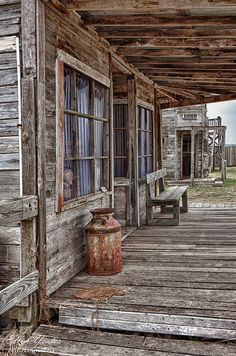 artistloveworld — J. Ville Du Far West, Le Far West, Old Buildings, Abandoned Buildings, Abandoned Places, Old Western Towns, Western Art, Foto Nature, Westerns