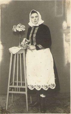 Zástěry, haleny, košile - Foto - Lidové kroje -foto z domácích sbírek