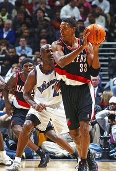 micheal jordan scottie pippen Michael Jordan, Scottie Pippen and Jerry Rice just dont look right in these uniforms Mike Jordan, Michael Jordan Basketball, I Love Basketball, Basketball Pictures, Basketball Legends, Basketball History, College Basketball, Portland Trail Blazers, Scottie Pippen
