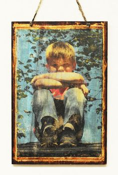 How to transfer a photo to wood to create beautiful rustic wall art. #DIY