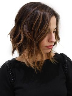 Medium length hairstyles for Oval Face Shape