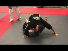https://www.youtube.com/watch?v=KrLE3-LrxgU Here is a cool BJJ technique recounter to do when you try a knee cut pass and your partner counters by holding the 1/2 guard. Bruno Cesar, GFT. See thousands of Free BJJ Videos from Brazilian Jiu Jitsu athletes at https://www.Jitseasy.com  0  0  Jitseasy