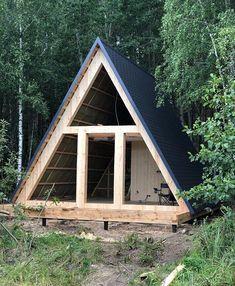 - Home Decor - Marecipe Tiny Cabins, Tiny House Cabin, Cabins And Cottages, Tiny House Design, Cabin Homes, Cabins In The Woods, House In The Woods, A Frame Cabin Plans, Triangle House