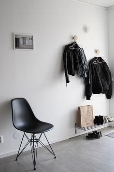 Scandinavian inspired entryway | j.levau
