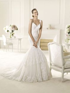 Appliques Lace Halter Sweetheart Mermaid Wedding Dress
