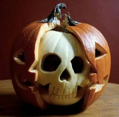 Pumpkin decorating ideas for Halloween is an important thing in Halloween day. Because I think there is no Halloween without our favorite pumpkins. Halloween is Humour Halloween, Halloween Jack, Holidays Halloween, Halloween Pumpkins, Halloween Crafts, Happy Halloween, Halloween Party, Halloween Skull, Halloween Clothes