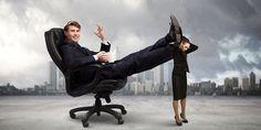 8 Tipps für spannendere, wirksamere gesetzliche Unterweisungen | Arbeitssicherheit und Gesundheit am Arbeitsplatz Persona, Feel Good, Fighter Jets, Management, Feelings, Female, Megatrend, Flora, Self Help