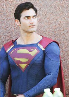 I have beautiful everything, dailytylerhoechlin:   Tyler Hoechlin as Superman...