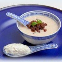 Gesztenyekrémleves rumos mazsolával és fehér-csokoládés tejszínhabbal