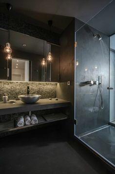 stilvolles traumbad in schwarz mit duschkabinne