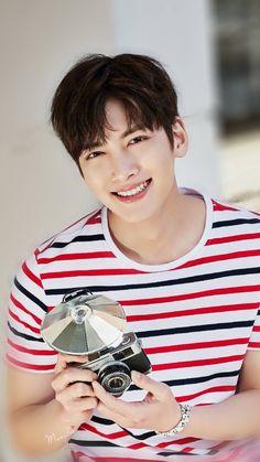 This smile can truly kill one. Ji Chang Wook Smile, Ji Chang Wook Healer, Ji Chan Wook, Korean Star, Korean Men, Asian Actors, Korean Actors, Ji Chang Wook Photoshoot, Empress Ki