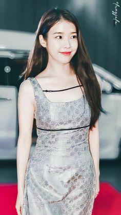 Beautiful Bollywood Actress, Chinese Actress, Asian Fashion, Kpop Girls, Most Beautiful, Korea, Actresses, Formal Dresses, Celebrities