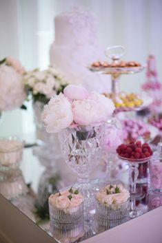 Home - Destination wedding planner in France Paris Wedding, French Wedding, Chic Wedding, Luxury Wedding, Wedding Table, Wedding Details, Wedding Ceremony, Wedding Flower Decorations, Wedding Flowers