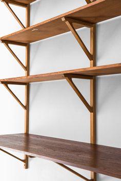 Børge Mogensen wall mounted bookcase model 291 at Studio Schalling Sectional Patio Furniture, Patio Furniture Sets, Bookcase Shelves, Wood Shelves, Outside Furniture, Concrete Kitchen, Diy Sofa, Studio, Interiors