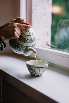 Woman Pouring Tea | tea time | photography | teapots | cups | pinned by www.cupkes.com/