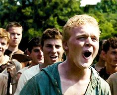LOOK AT NEWT IN THE BACKGROUND HE'S IN THE BACKGROUND LAUGHING AAAHHHHH!!!!!! THIS IS SO PERFECT!!!!