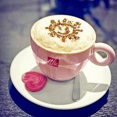 Bom dia! #afer #afermoda #café #coffee
