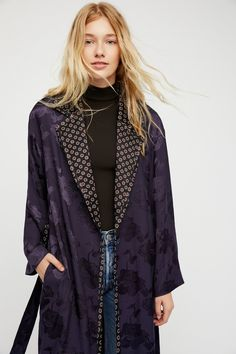 Sabine Duster | Silk and tonal printed duster jacket featuring a contrast printed lining and trim. * Adjustable waist tie * Hip pockets * Front button closure