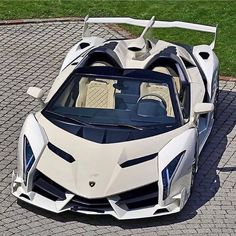 Lamborghini Veneno 😍 Like & Comment! 👇 Rate this beast 1 - 10 -----------. Lamborghini Veneno, Lamborghini Logo, Carros Lamborghini, Lamborghini Diablo, Ferrari Laferrari, Luxury Sports Cars, Exotic Sports Cars, Cool Sports Cars, Best Luxury Cars