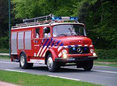 1976 Mercedes Benz L1113, brandweer Bussum,  Bridgehead 2013