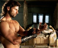 Eric Bana wow I loved him in this movie even more than Brad and i love me some Brad!